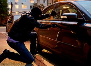 Мужчина украл четыре автомобильных аккумулятора за одну ночь в Новочеркасске