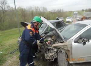 В Ростовской области в тройном ДТП пострадали шесть человек