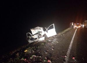 В Ростовской области в ДТП с четырьмя машинами погибли два человека
