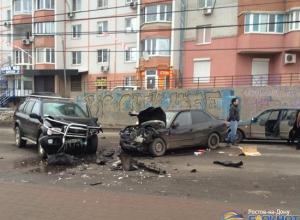 В Ростове в тройном ДТП пострадали две женщины