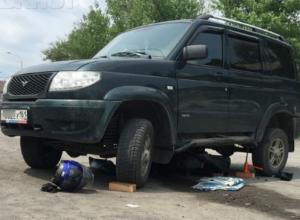 Жуткое столкновение юного байкера с внедорожником в Ростовской области попало на видео