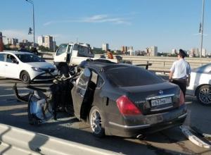 Движение на Ворошиловском мосту в Ростове парализовано из-за крупной аварии