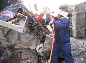В Ростовской области столкнулись два КамАЗа: погиб пассажир