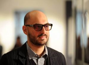 Кирилл Серебренников обвинил «Сбербанк» в мошенничестве после того, как его родителей ограбили в Ростове