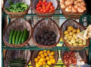Россия запретила поставки овощей и фруктов с Украины