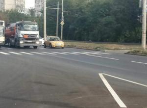 На дороги Ростова нанесли более 1 500 квадратных метров разметки