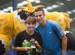 15-летняя школьница из Батайска встретилась с всемирно известным футболистом Робином ван Перси