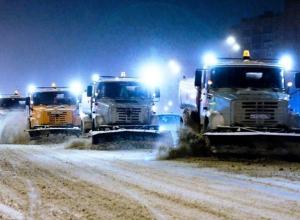В Ростове на расчистку дорог от снега были брошены 367 единиц техники
