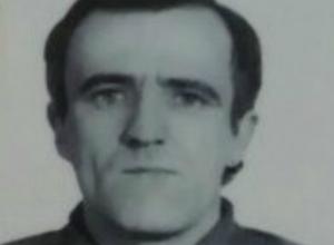 Невысокий светловолосый мужчина с залысиной потерялся на улицах Ростова