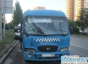 В Ростове при столкновении маршрутки и «скорой» пострадали 2 человека