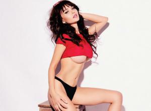 Секс-звезда Playboy Мария Лиман призналась, какие запрещенные вещи прячет под своей кроватью