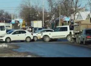 Два левых поворота на улице Мечникова намерены запретить власти Ростова