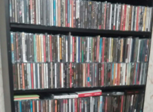 Ростовчанин-оптимист хочет поменять CD-диски на автомобиль