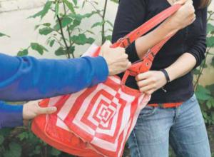 Молодой безработный избивал женщин битой по голове ради сумок и драгоценностей в Ростове