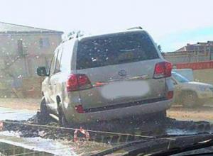 Жертвами коварной бетонной ловушки стали трое ростовских автомобилистов