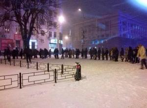 Пробки в Ростове не исчезают: горожане не могут уехать домой