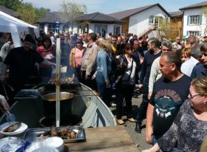 Дегустация рыбы на фестивале донской селедки в Ростове прекратилась после отъезда чиновников