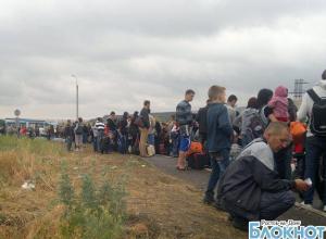 На границе с Ростовской областью находятся сотни украинских беженцев