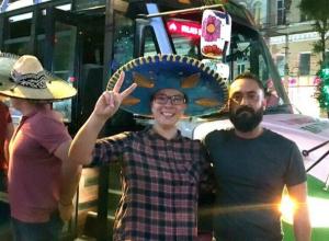 Суровая жена разрешила «ожить» картонному мексиканцу ради поездки в Ростов