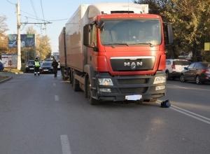 В Ростове фура насмерть сбила женщину-пенсионерку