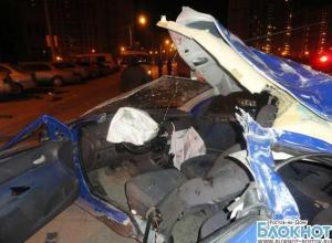 В Ростове в ДТП при столкновении пяти авто погибла 18-летняя девушка, водитель госпитализирован
