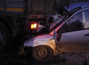 В Ростовской области «Лада Калина» влетела под КамАЗ: 2 погибли