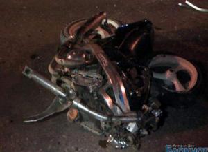 В Ростовской области байкер врезался в «Камаз»: 1 погиб, 1 травмирован