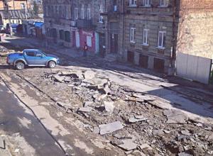 Любимая улица «как после бомбежки» возмутила жителей Ростова: «туристы офигеют»