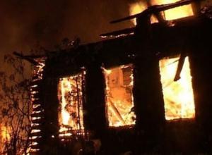 На пожаре в Ростовской области погибли женщина и двое детей