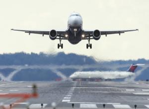 Самолет, летевший из Ростова в Москву, срочно посадили в Волгограде из-за курящего дебошира на борту