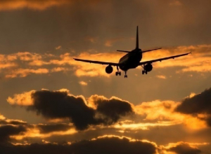 Диспетчеры развели над Ростовом шесть самолетов