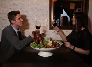 Влюбленному ростовчанину помог загладить вину перед девушкой ресторан «Dilif»