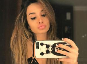 Обнаженная секс-звезда «Дома-2» из Ростова оказалась в отчаянии от фильма «На пятьдесят оттенков темнее»