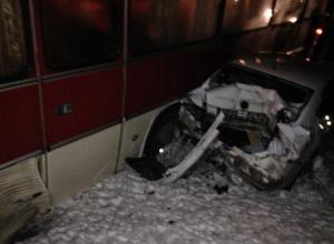 Под Ростовом произошло ДТП с участием нескольких машин и автобуса