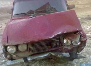 В Ростове ВАЗ-2106 въехал в толпу людей: 2 госпитализированы