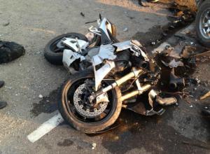 Тяжелые травмы получил мотоциклист при столкновении с иномаркой в Ростове