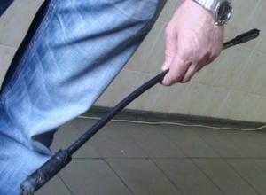 Металлической монтировкой «учил уму разуму» приятеля житель Ростовской области