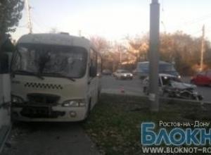 В Ростове водитель маршрутки, лишенный прав, попал в ДТП