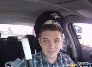 В Ростовской области украинец обменял свои права на фуражку и жезл сотрудника ГИБДД. Видео