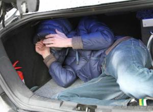 Избитому водителю Infiniti пришлось прокатиться в багажнике собственного автомобиля в Ростове