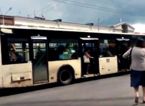 Благодаря ростовскому блогеру «вонючему» автобусу запретили перевозить пассажиров