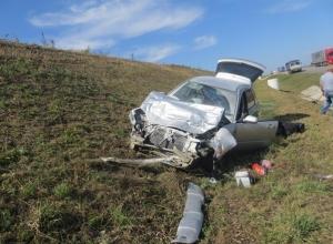 В Ростовской области 18-летняя девушка-водитель на «Субару» устроила ДТП: 3 пострадали