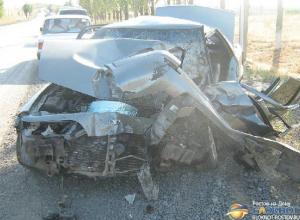 На Дону женщина-водитель на Daewoo врезалась в MAN и погибла, ее дочка пострадала