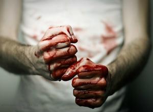 Жестокие злоумышленники толпой избили ростовчанина до крови и безсознательного состояния