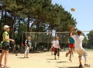 Почти 70 тысяч ростовских школьников отдохнули летом в лагерях и санаториях