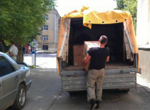 Парень похитил два дорогих телефона из «Газели», пока водитель разгружал товар в Ростовской области