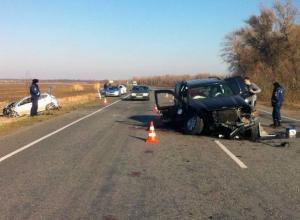 В Ростовской области «Джип» спровоцировал тройное ДТП: двое погибли
