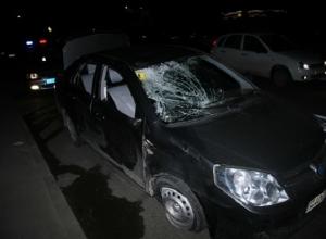 В Ростове 23-летний водитель на «Джили» насмерть сбил троих пешеходов на тротуаре. Видео