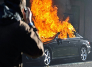 Коварным поджигателем дорогой иномарки в Ростове оказался 64-летний пенсионер
