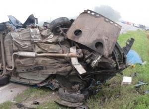 В Ростовской области столкнулись три авто: 4 погибли, 2 травмированы